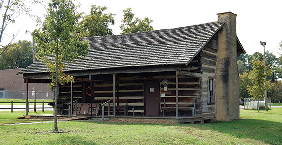 Davy Crockett Cabin