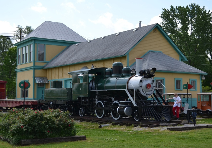The museum with the 1920 steam engine train in front