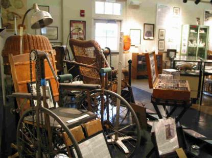 Medical artifact display