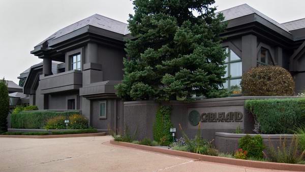 Cableland Mansion outside