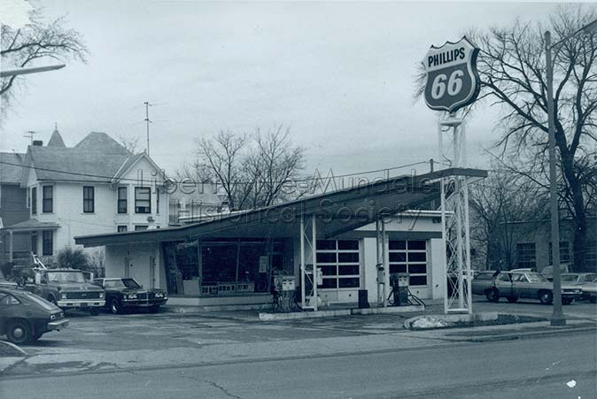 Phillips 66, corner of Milwaukee Ave. and Maple Ave., circa 1974-1976