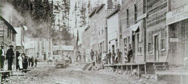 Miners and shopkeepers on Garnet's Main Street