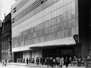The Museum of Modern Art in 1939, shortly after moving to the location it still occupies.