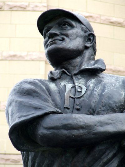 Closeup of Honus Wagner statue. Photo posted at From Pitch to Plinth: The Sporting Statues Project (Photo by Shane Henderson ©)