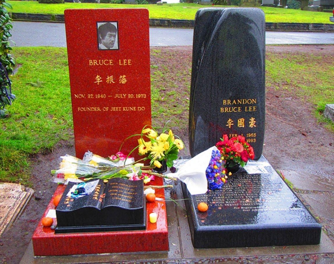 Bruce & Brandon Lee's Grave Site