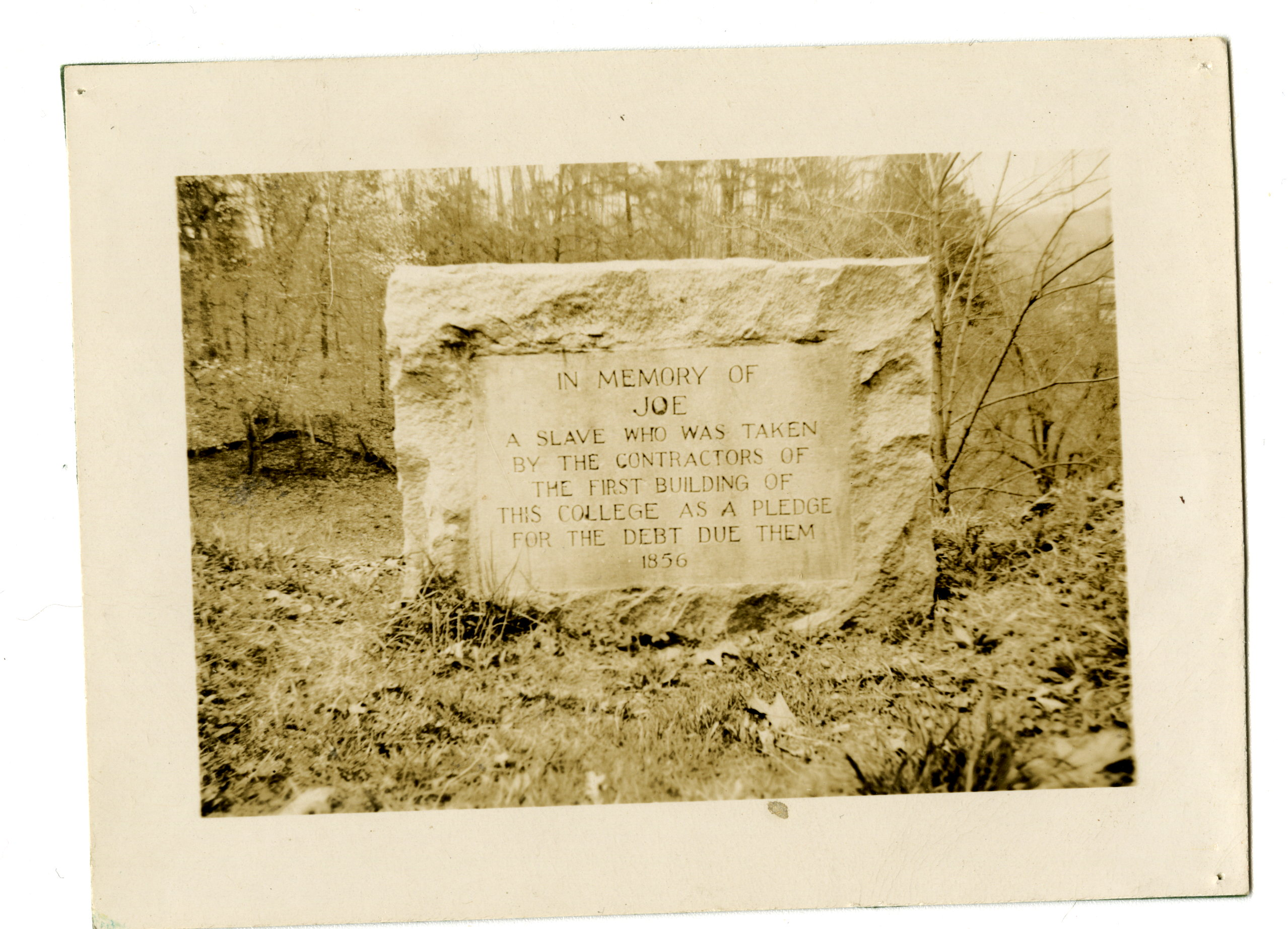 The Joe Anderson Memorial at Mars Hill University in 1932. Courtesy of The Southern Appalachian Archives.