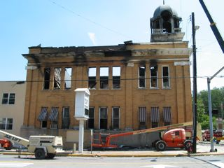 Photo of when the courthouse burnt down in 2006.