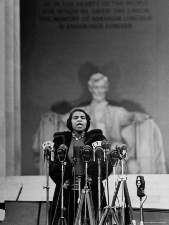 Marian Anderson singing on the steps of the Lincoln Memorial in 1939.