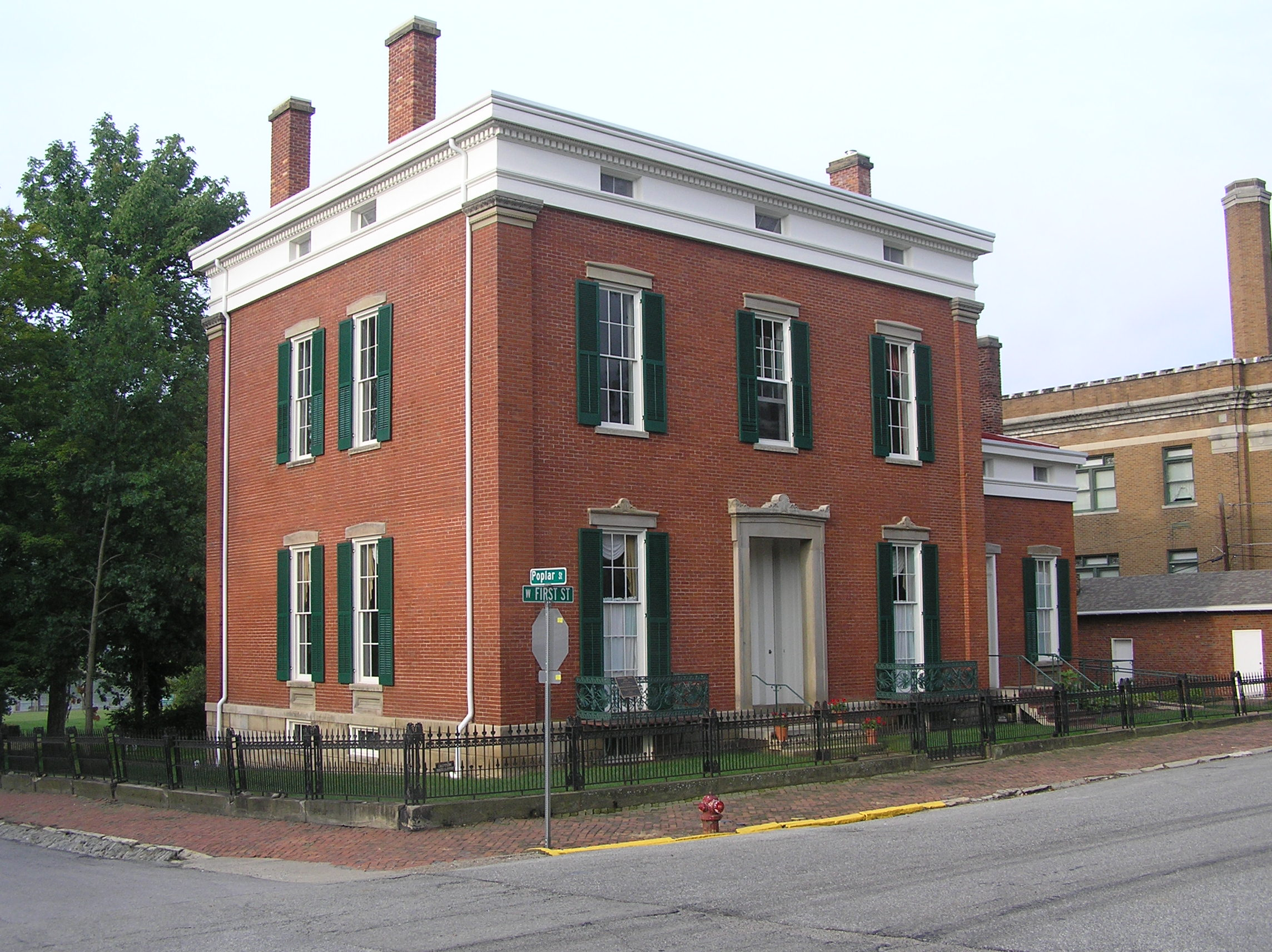Looking Southwest of the Shrewsbury-Windle House, 2014 after exterior restoration. (HMI Collection)