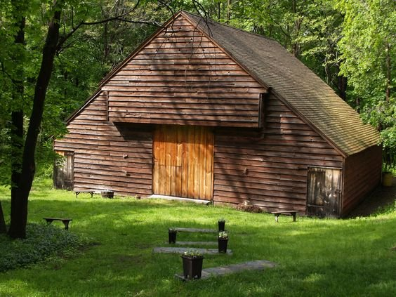 The 1720s style barn at Mount Gulian