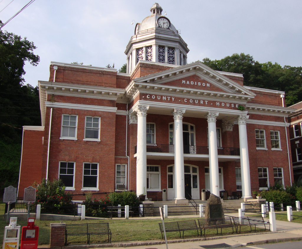 Image of the courthouse