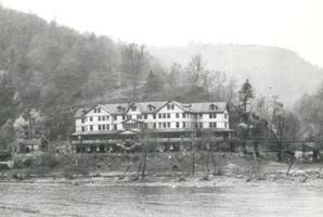 Dunglen Hotel
