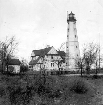 Historic photo of the lighthouse