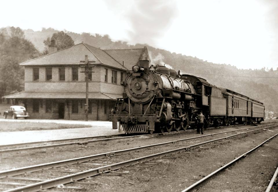Gassaway Depot https://www.facebook.com/media/set/?set=o.553348398056027&type=1