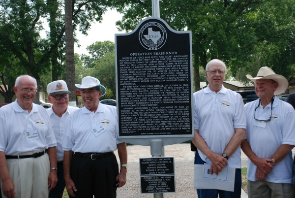 United States Air Force veterans of the 4080th Strategic Reconnaissance Wing (SRW) stand next to the historical marker for Operation Brass Knob, dedicated in Del Rio, Val Verde County (2008).