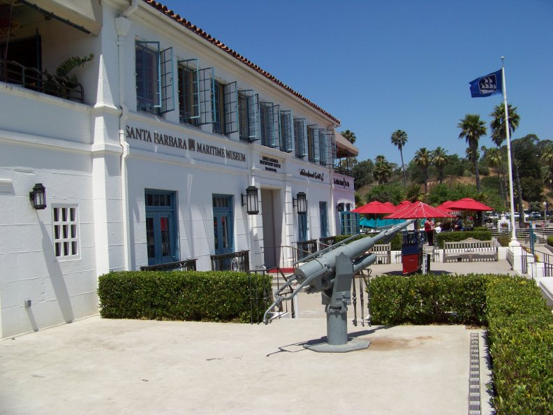 Harpoon gun located at the museum's entrance.