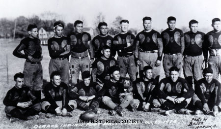 Oorang Tribe football team picture with Jim Thorpe, October 27, 1922.