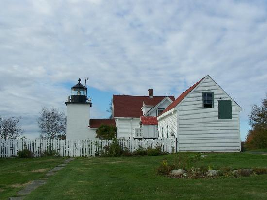 The Fort Point Lighthouse is still an active navigational aid