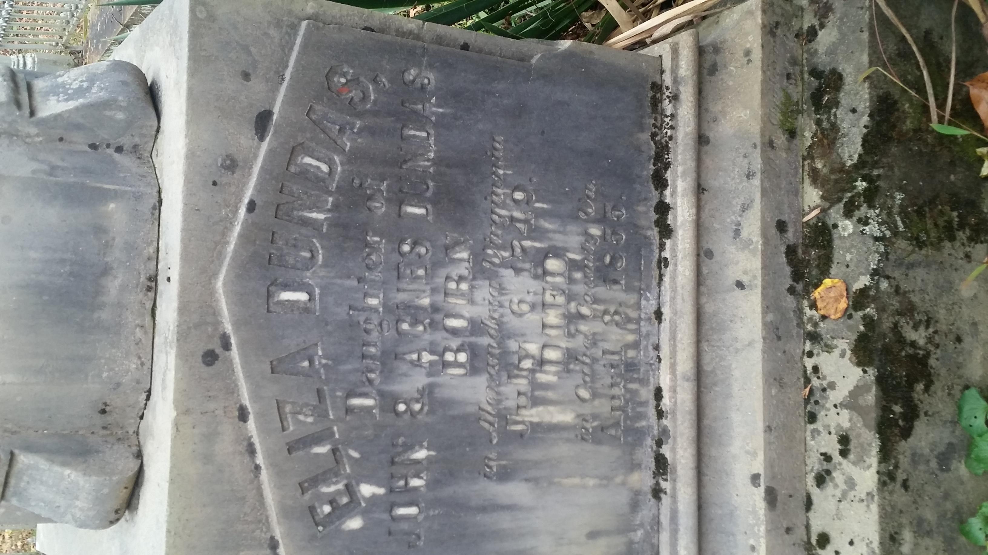 Eliza Dundas grave