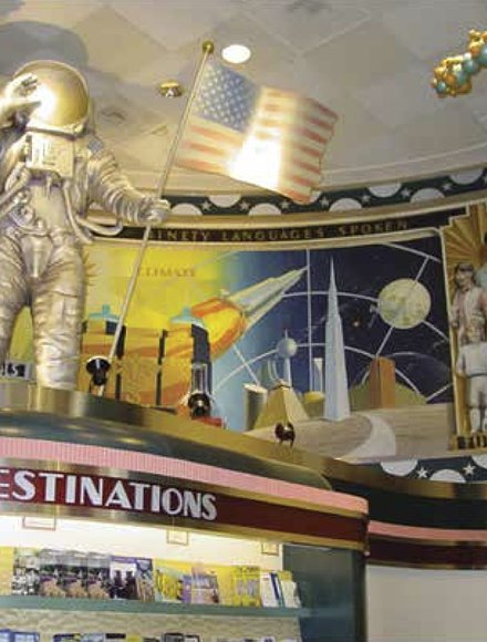 The Mural on the ceiling of the first floor lobby epicts industry, culture, law and municipal administration in Houston. In one panel a man appears to be wearing a Confederate officer's uniform.