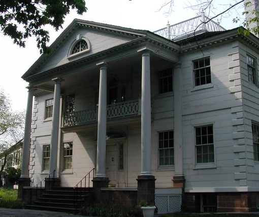 The outside portrayal of the mansion which portrays the 20th century architecture that was used in its making.