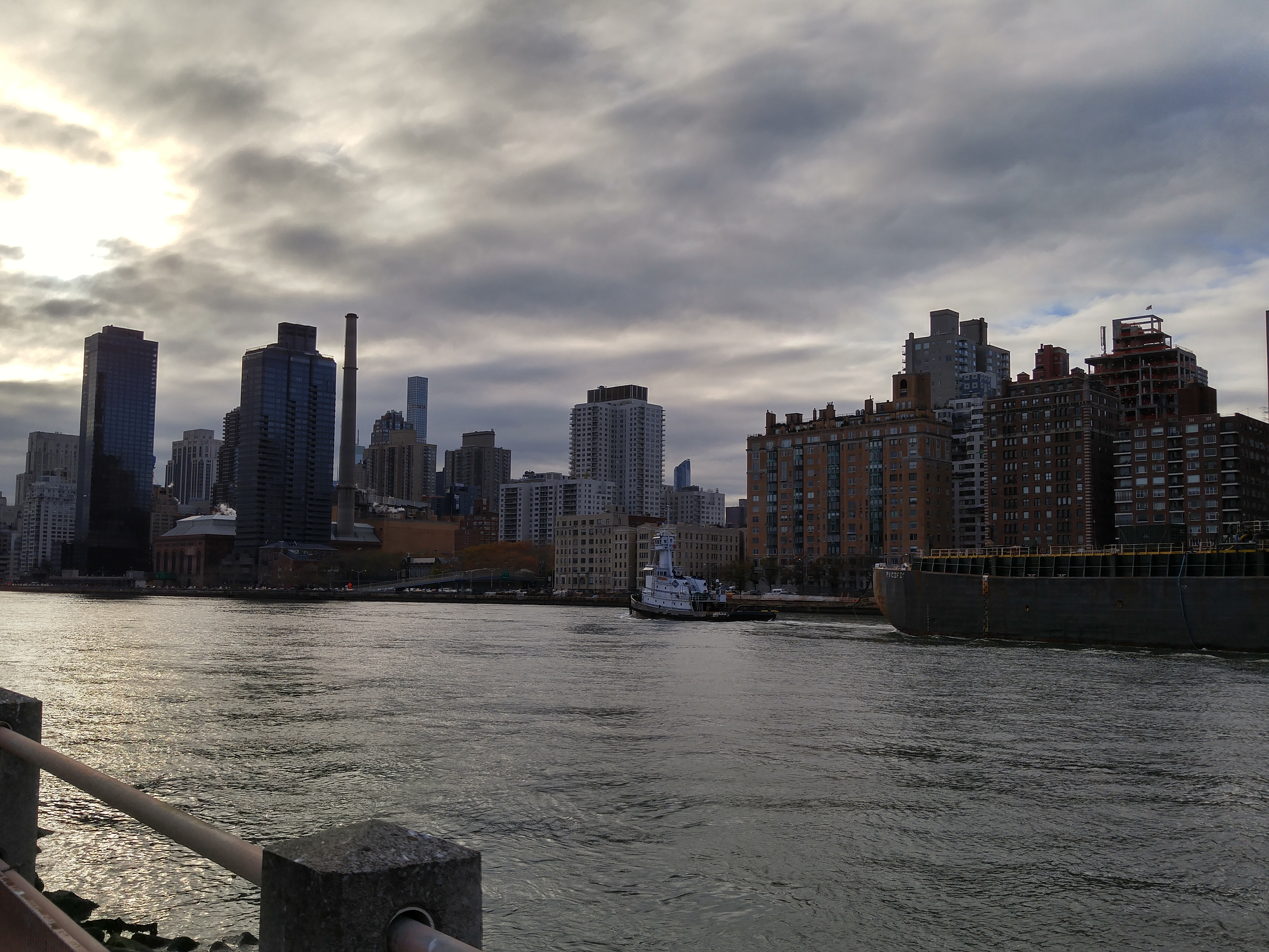 There's a beautiful view of Manhattan ready for you!