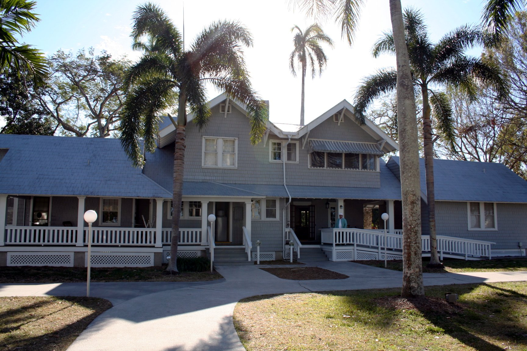 "Henry Ford bought the house next to Edison's in 1916 and called the property ""The Mangoes."" He owned it until 1931."
