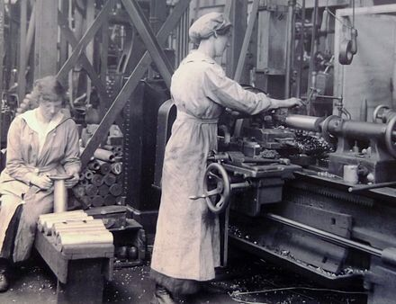 Industrial Revolution worker, women working at Woolrich Arsenal London, UK 1917