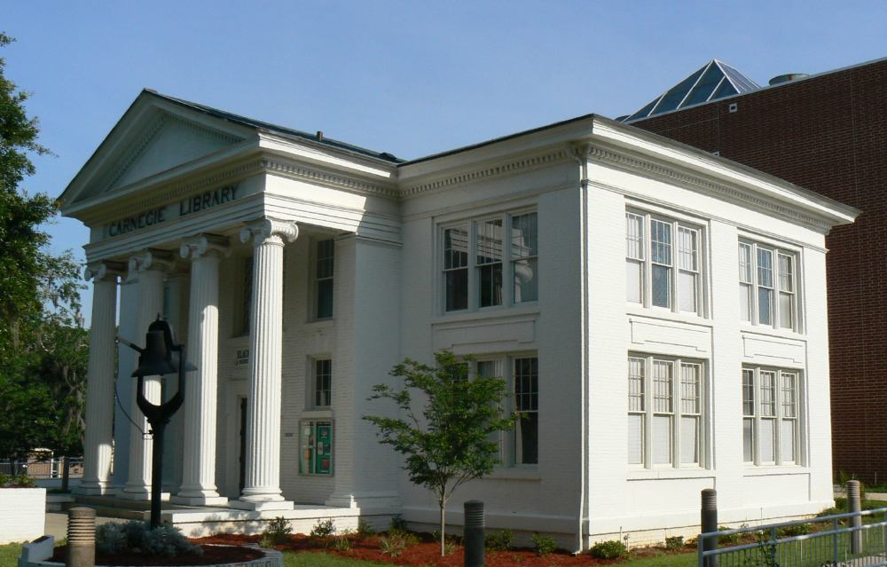 The former Carnegie Library was built in 1908 and has been home to the Meek-Eaton Southeastern Regional Black Archives Research Center and Museum (also referred to as the Meek-Eaton Black Archives) since 1976.