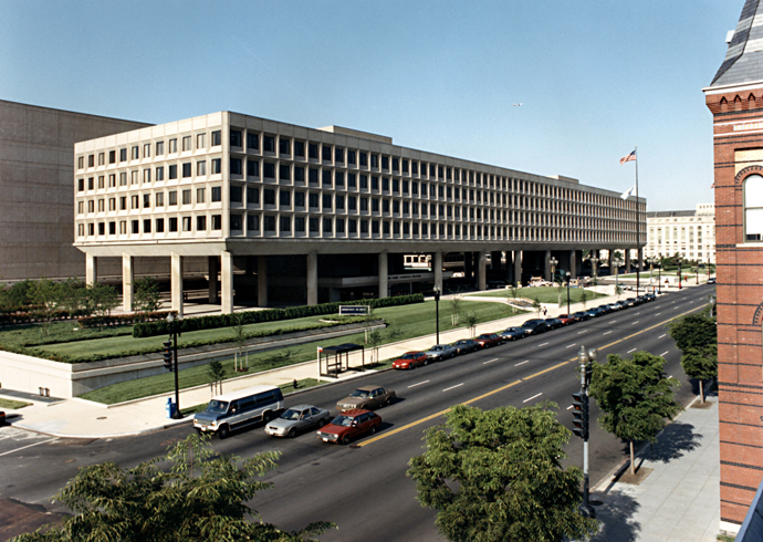This low-rise office building was built during the Cold War as an office building for the military. From 1977 to the present, it has been home to the US Department of Energy.