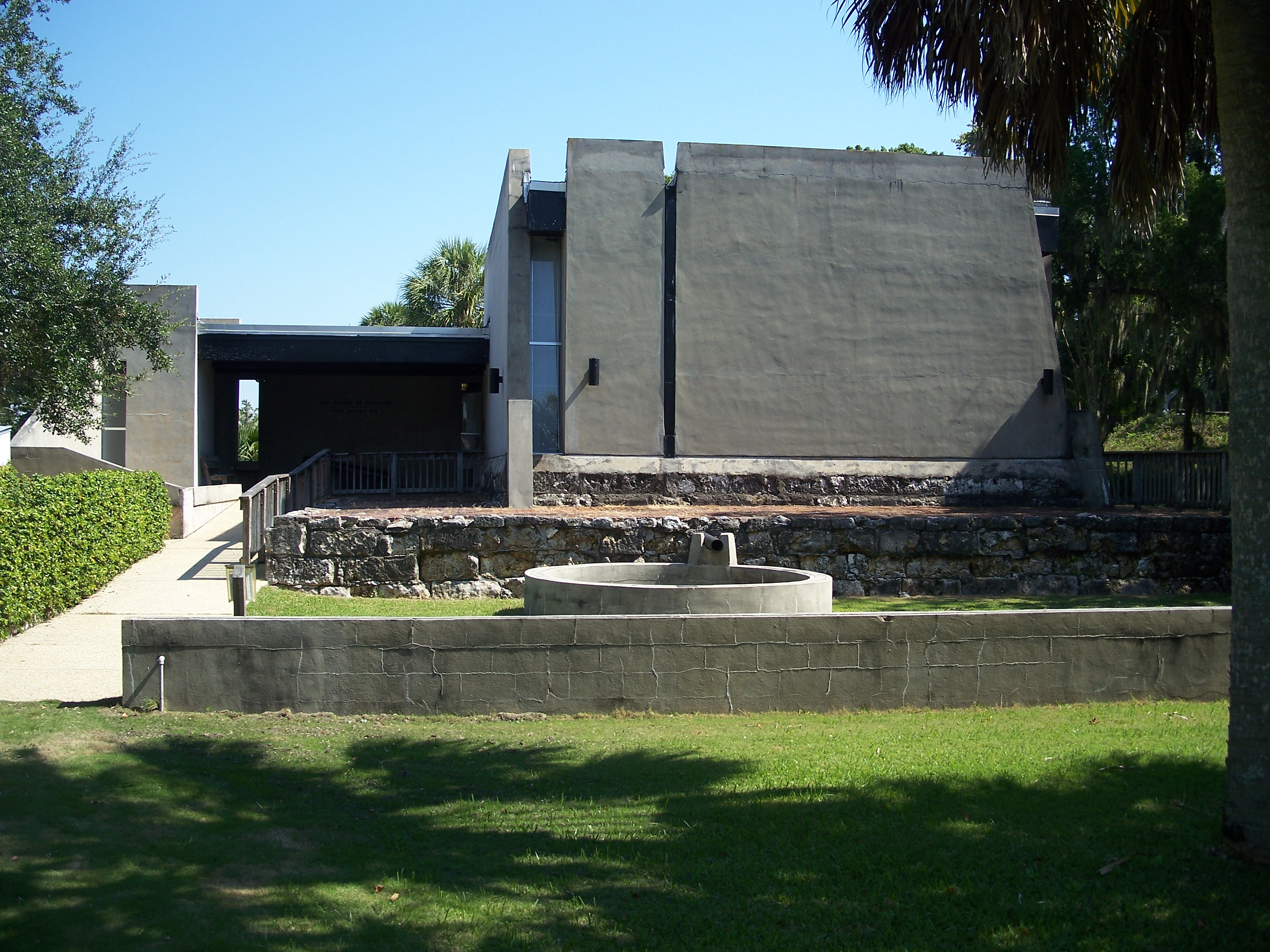 The museum at the park features pottery and tools from the original fort are on display, as well as interpretive displays describing the site's history.