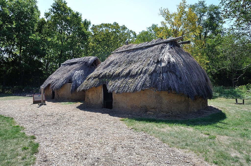 Fort Ancient Thatch & Mud Homes