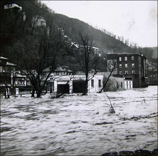 Clearly shows the raging flood waters that were able to destroy the town