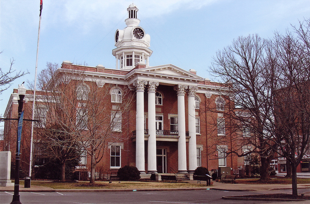 The exterior of Rutherford County Courthouse.