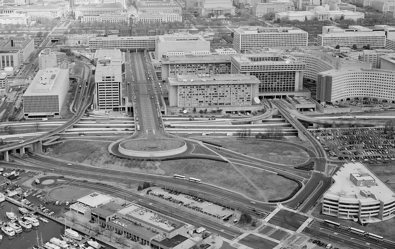 This early photo of the park places Banneker Park and Circle against the backdrop of several federal buildings, including the FAA building in the top right corner.