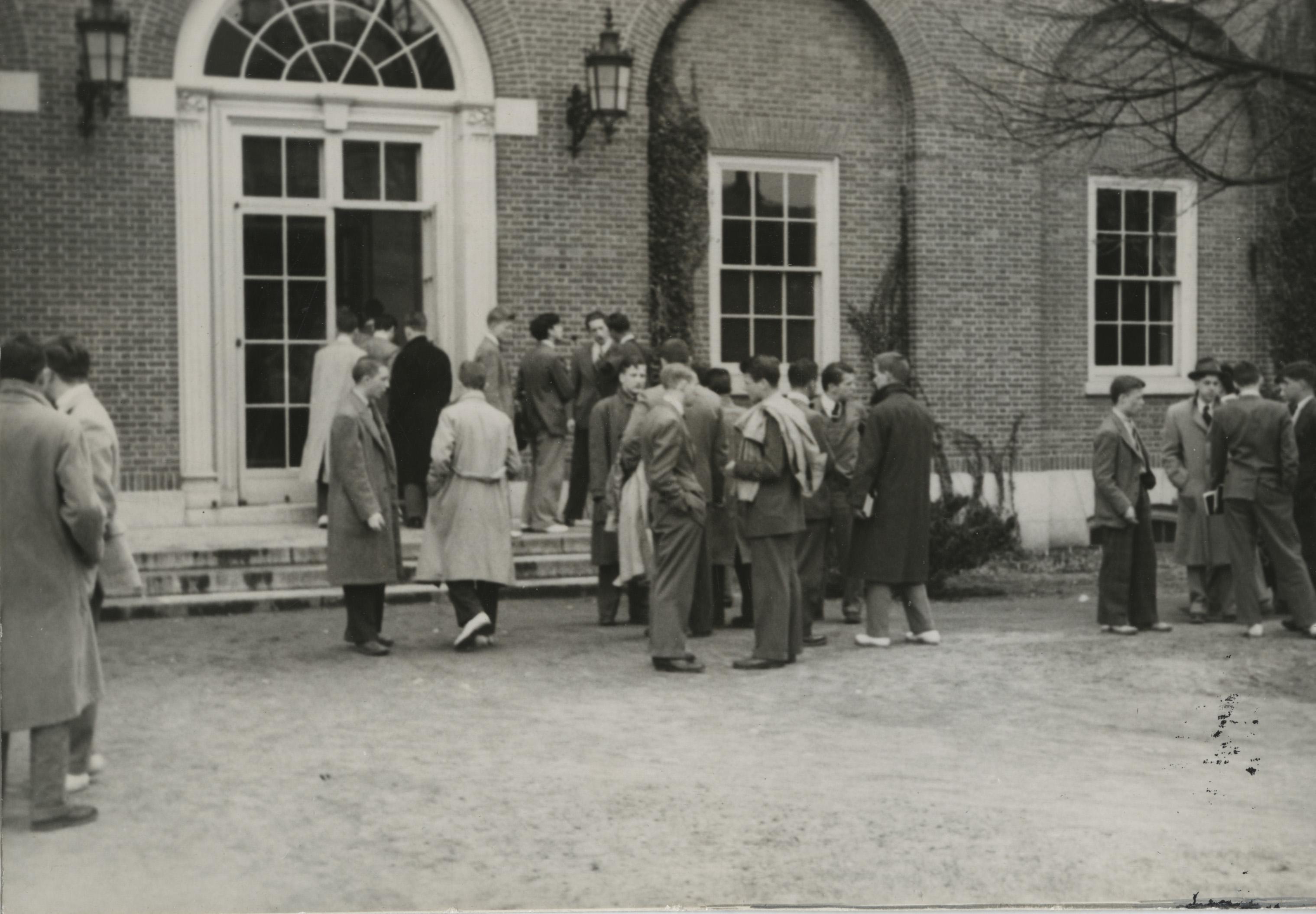 Commons, 1940s