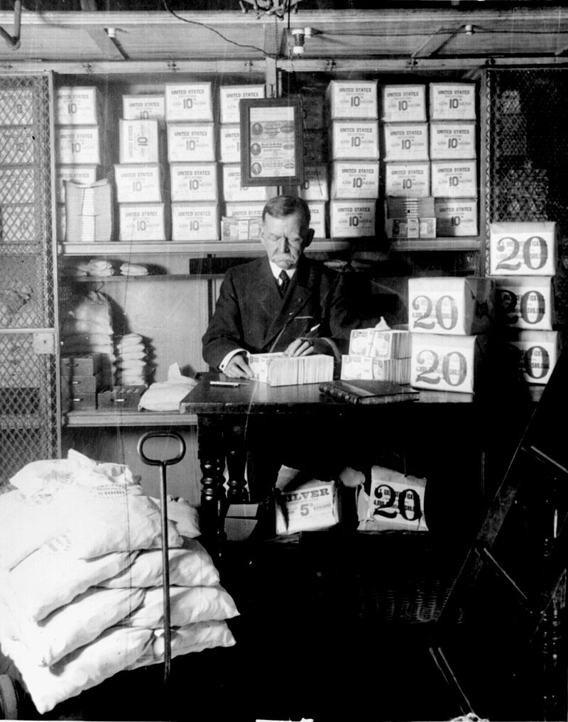 Treasury Official at work in 1907