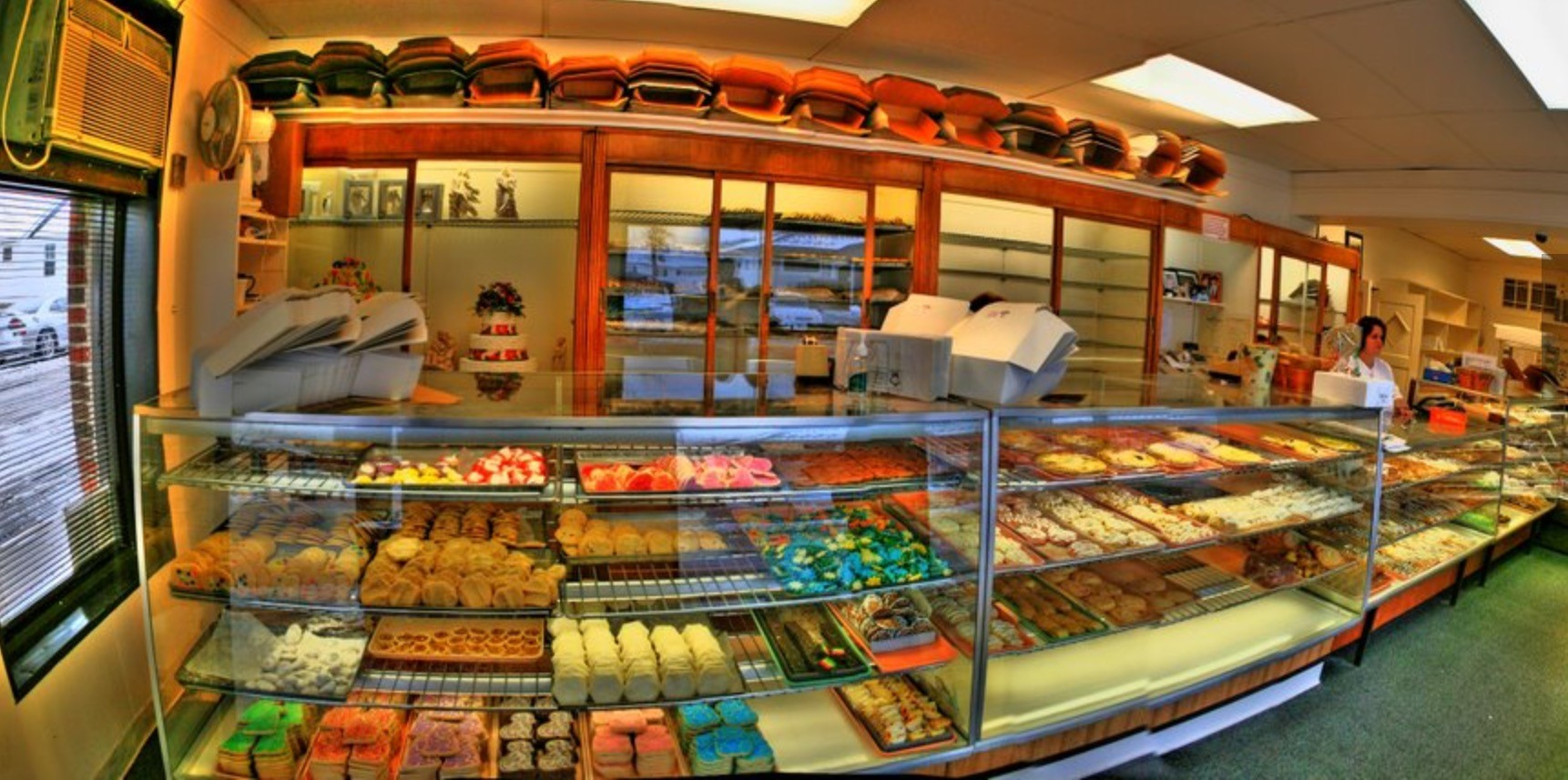 Panorama of the shop taken from the entrance.