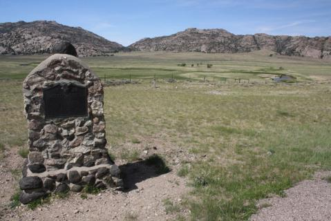 Monument erected in 1933 in honor of the pioneers that died here.