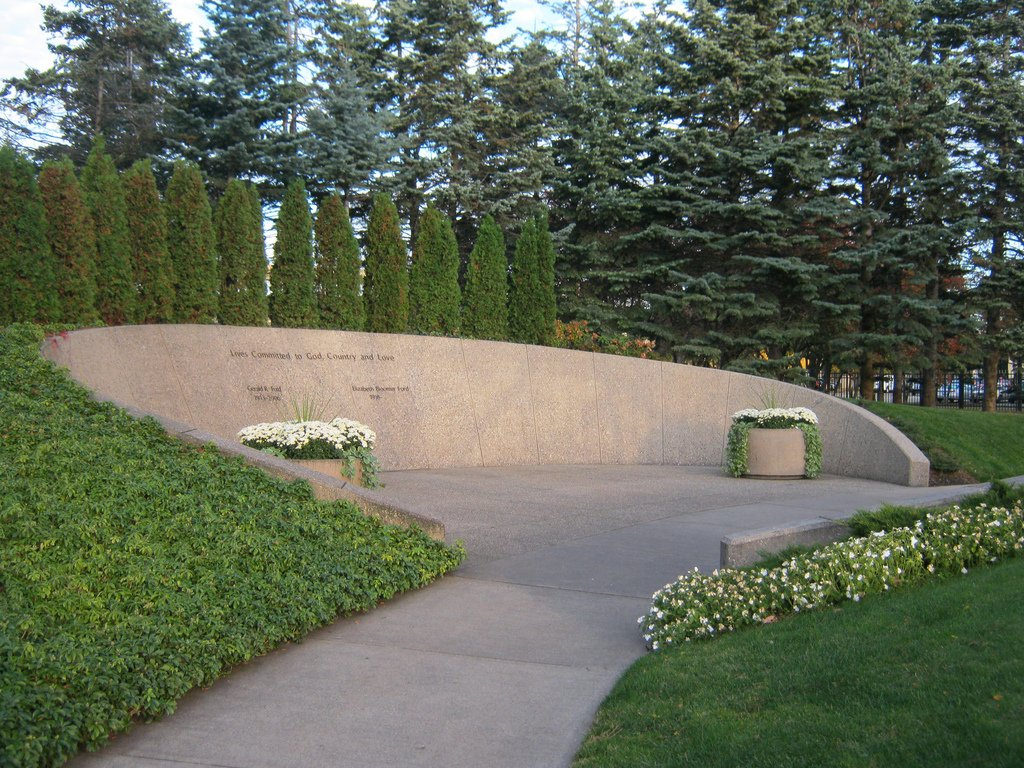 The gravesite of both Gerald Ford and his wife Betty Ford are located on the grounds of the Museum. Image obtained from FoundAGrave.