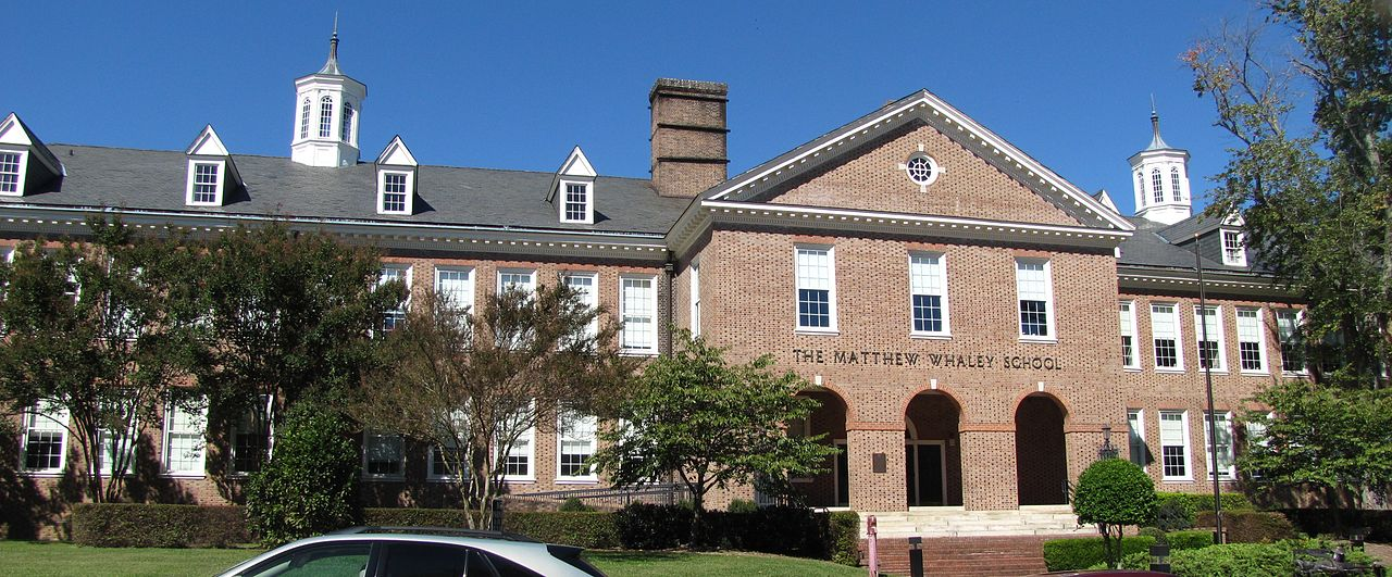 Matthew Whaley School by SKM2000 on Wikimedia Commons (CC BY-SA 3.0)