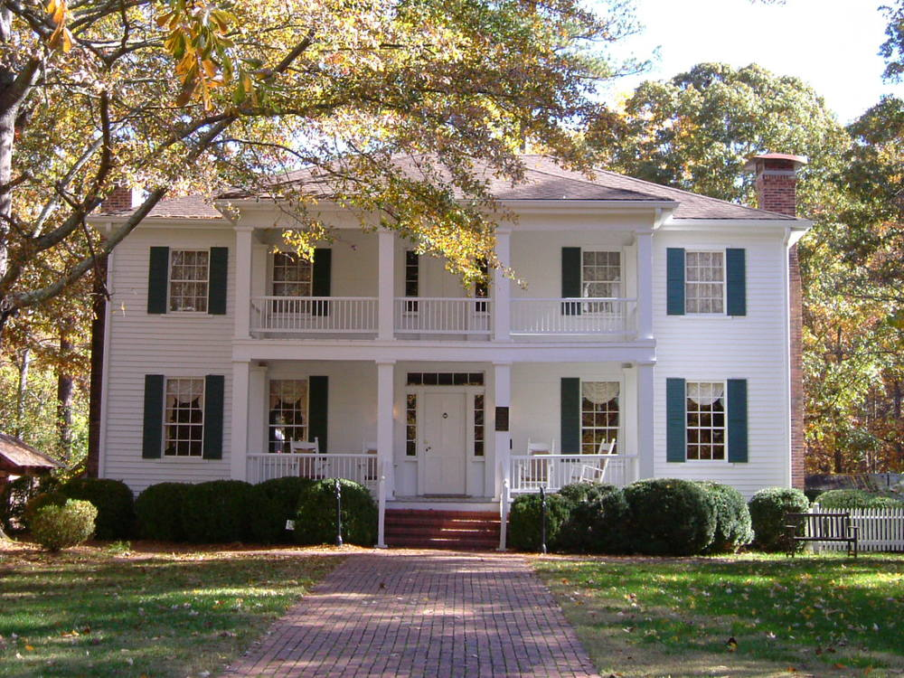 Stately Oaks is a simple house done in the Greek Revival style.