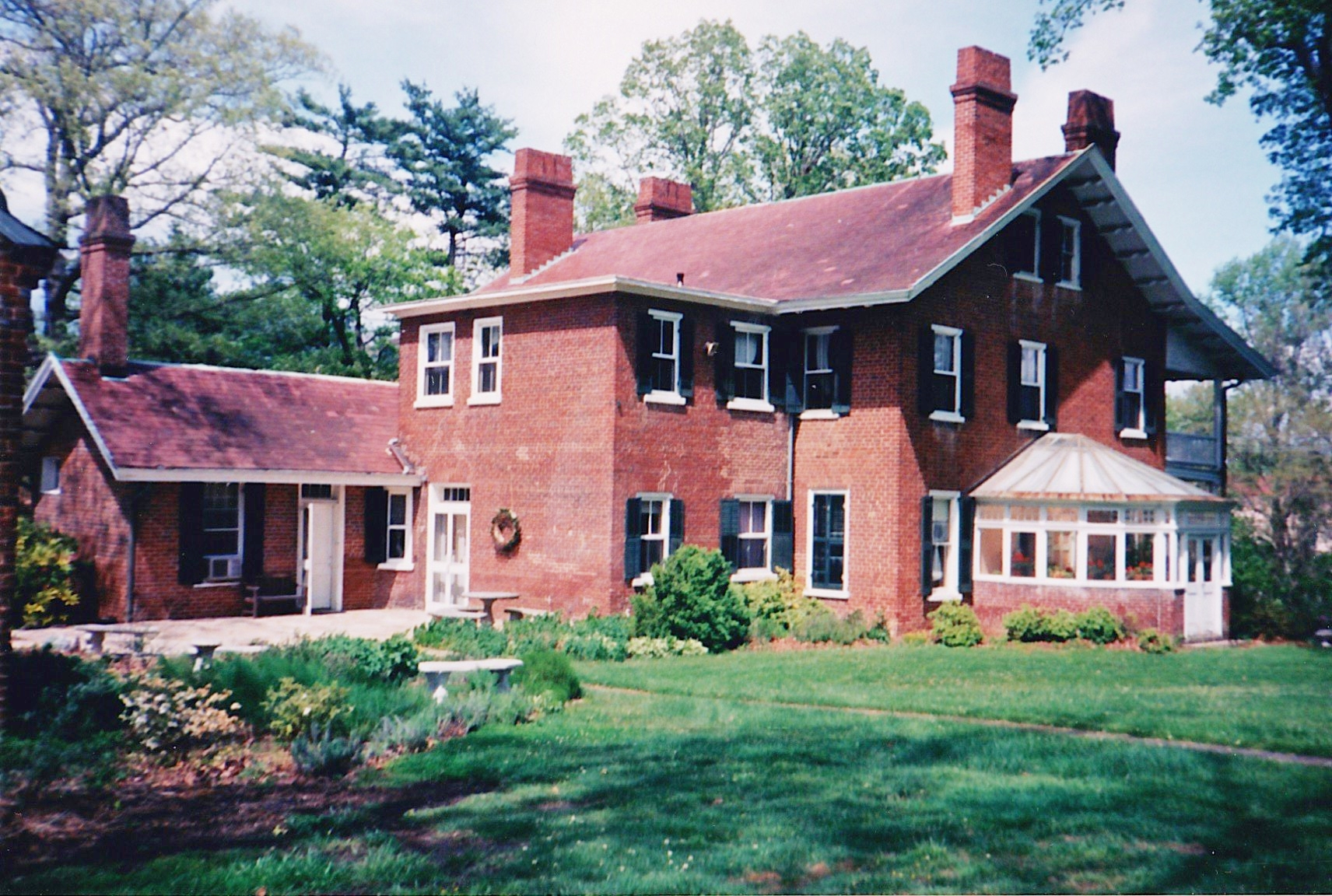 Side view of the Smith-McDowell House Museum