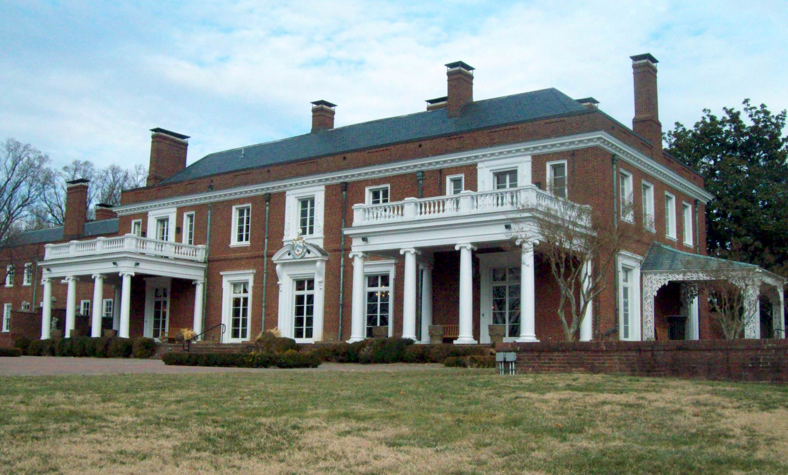 Oxon Hill Manor