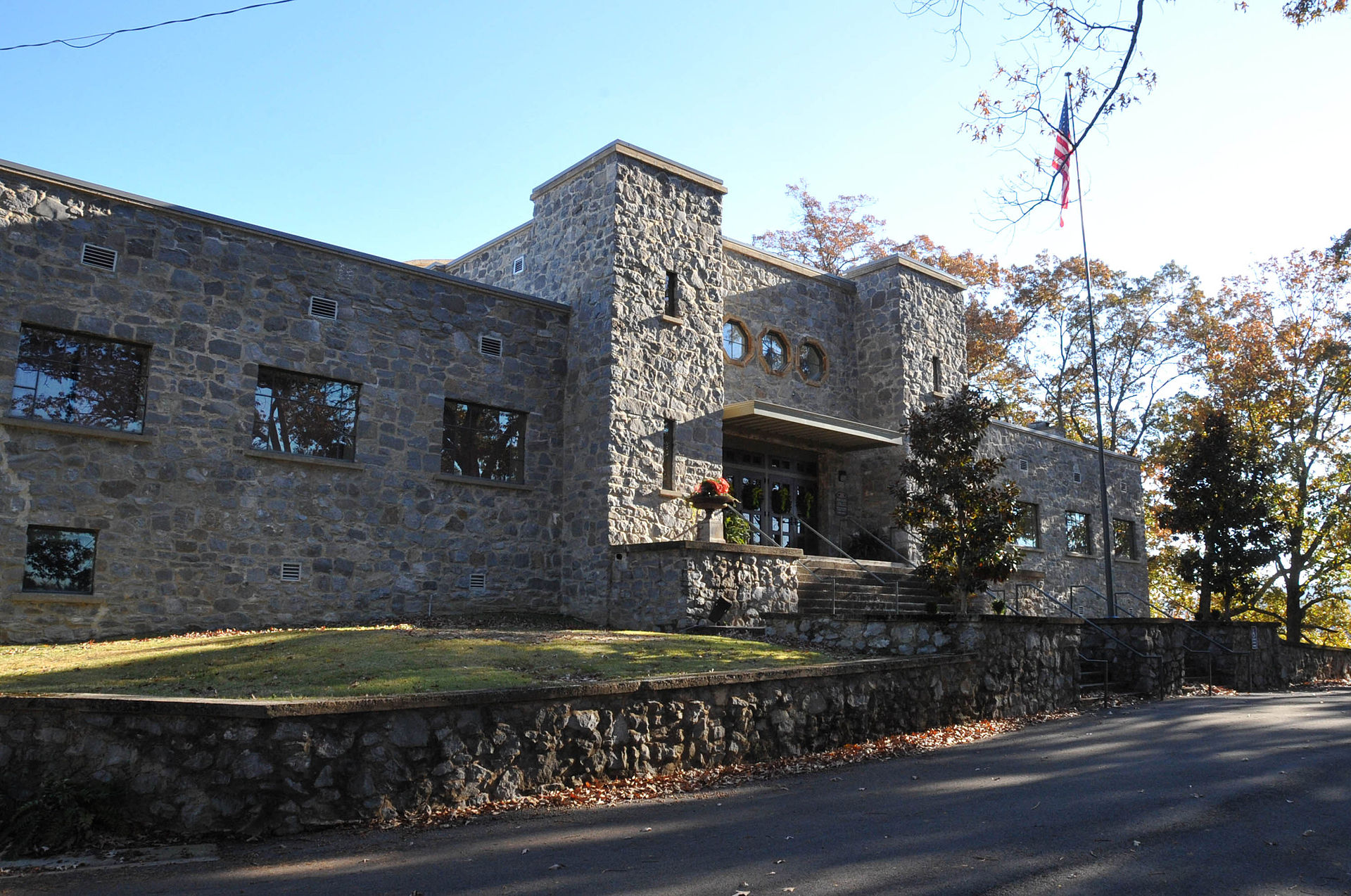The Guntersville Museum, formerly the armory for the 167th infantry of the National Guard.