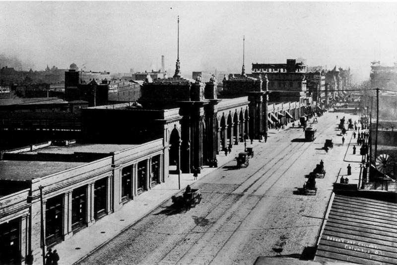 This photo of the third Union Station shows High Street the entrance arch in the middle. The photo was taken from a building on High Street just north of the station entrance.