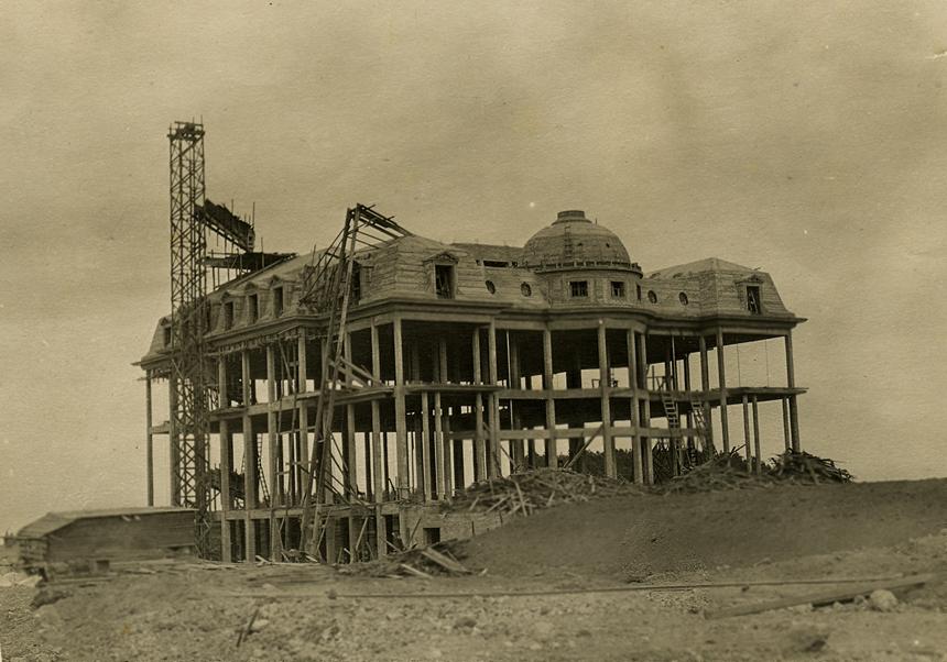 Carolands Chateau under construction.