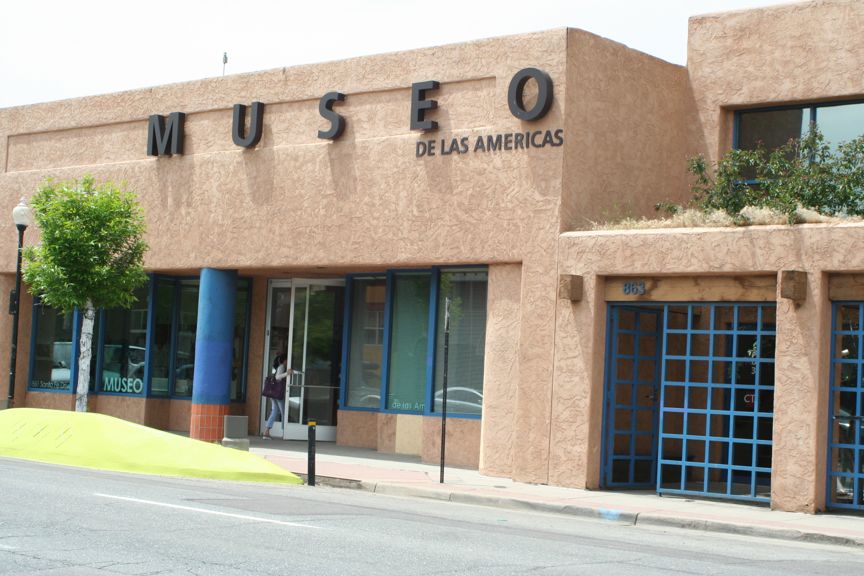 Museo de las Americas was established in 1991 and moved to this location in 1994.