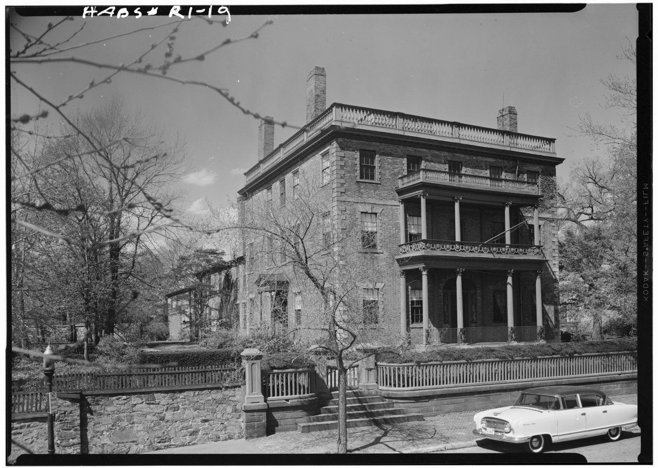 The Corliss-Carrington House as it looked in 1958.