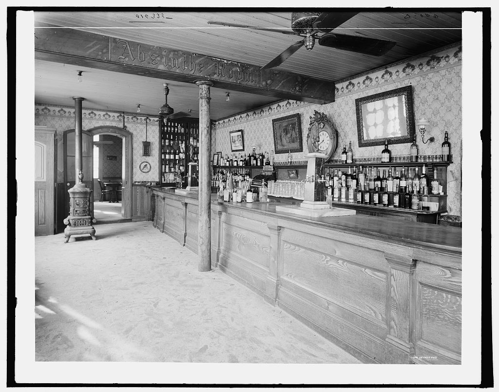Old Absinthe House bar in 1900. Courtesy of the Library of Congress